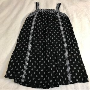 Old navy embroidered dress EUC